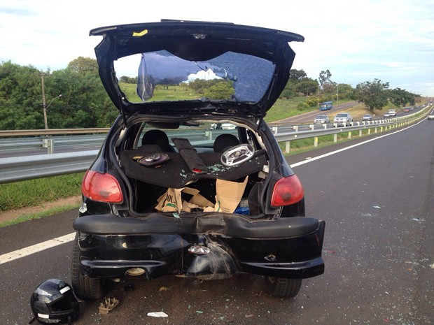 Acidente foi por volta das 6h20 desta sexta-feira (5) (Foto: Wellington Roberto/G1)