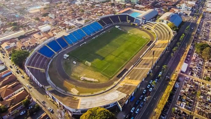 Estádio Barão da Serra Negra XV de Piracicaba (Foto: Lucas Cersosimo)