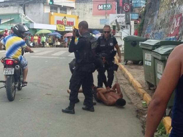 Preso é capturado após fuga do Complexo do Curado (Foto: Reprodução/Whatsapp)