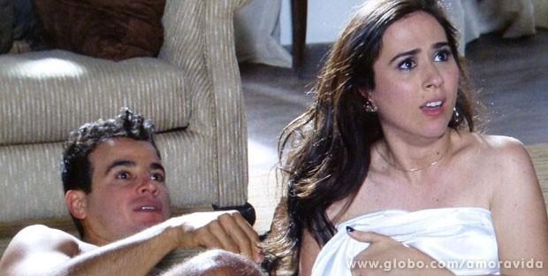 Valdirene se desespera com o flagra de Ignácio (Foto: Amor à Vida/TV Globo)