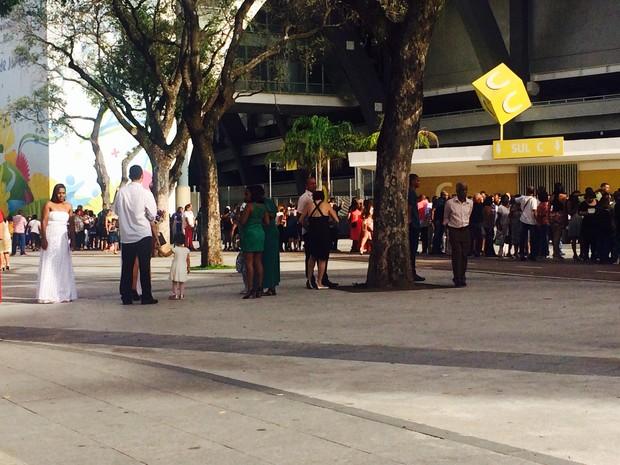 cerca de 12 mil pessoas participaram da cerimônia (Foto: Lívia Torres/G1)