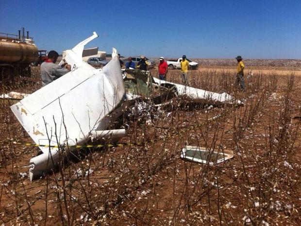 Avião caiu com dois passageiros em Barreiras (Foto: Sigi Vilares / Blog Sigi Vilares)
