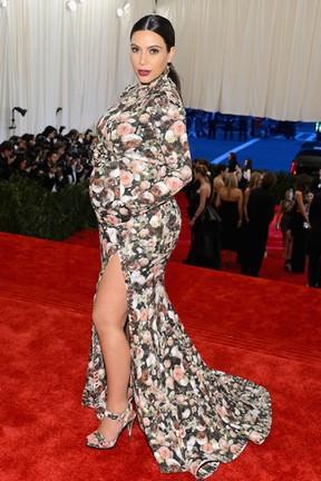 Kim Kardashian no MET (Foto: AFP)