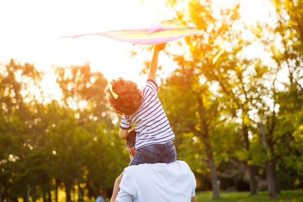 Faz bem espalhar grandes histórias de crianças e sua corrente de amparo e amor (Foto: Thinkstock)
