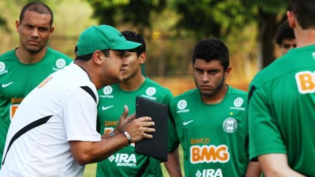 Marquinhos Santos conversa com o elenco do Coritiba (Foto: Divulgação / Coritiba)