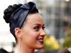 Katy Perry chama a atenção por acessório no dente em prêmio