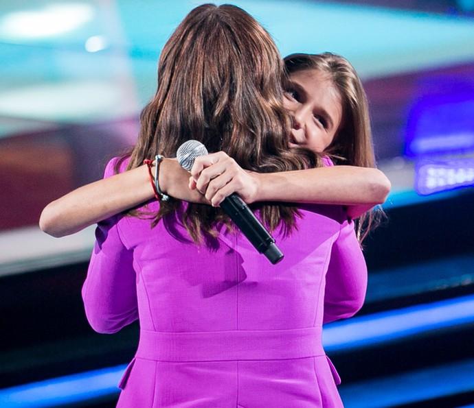 Técnica Ivete Sangalo ganha abraço de Giulia Nassa (Foto: Isabella Pinheiro/Gshow)