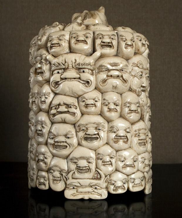 Caixa 1000 Faces (século XIX), de origem chinesa, de marfim, 20 x 16 cm de diâm., preço sob consulta (Foto: divulgação)