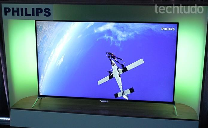 Smart TV da Philips é integrada com sistema Android (Foto: Leonardo Ávila/TechTudo)