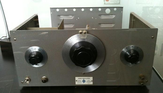 HP200A era um oscliador de áudio usado para criar efeitos sonoros no cinema (Foto: Reprodução/Creative Commons)
