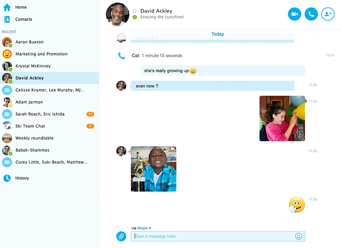 Chat traz fotos e emoticons que aproveitam melhor o espaço na tela (Foto: Divulgação)