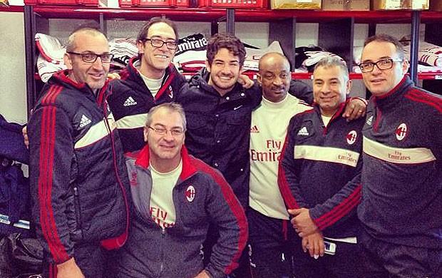 Pato se despede da equipe do Milan (Foto: Reprodução / Twitter)