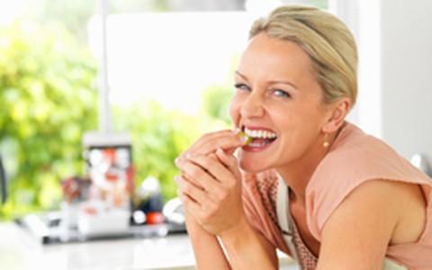 Dieta: mulheres que comem fora perdem menos peso
