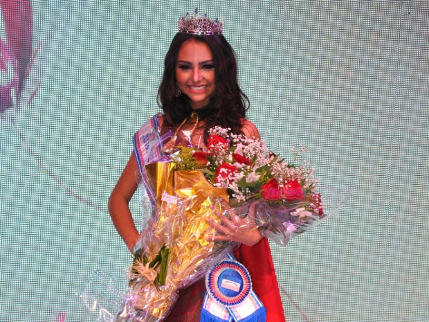 A modelo Anne Volponi foi eleita a Missa Espírito Santo 2013 (Foto: Pepê/ Sá cavalvante)