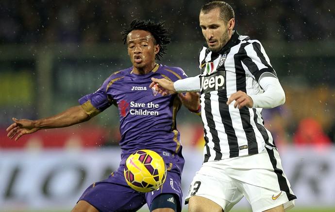 Cuadrado e Chiellini Fiorentina Juventus (Foto: Getty Images)