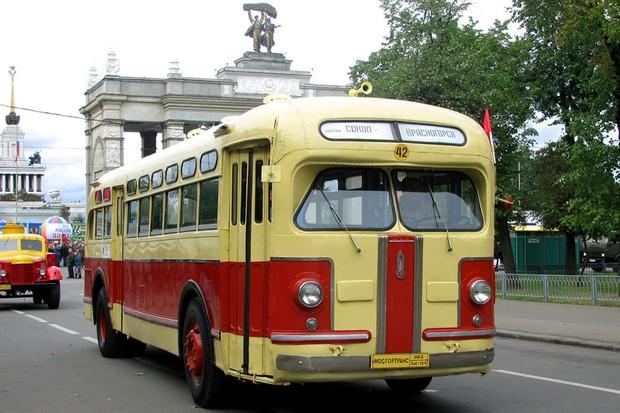 Ônibus ZIS-154 era baseado no projeto da General Motors (Foto: Divulgação)