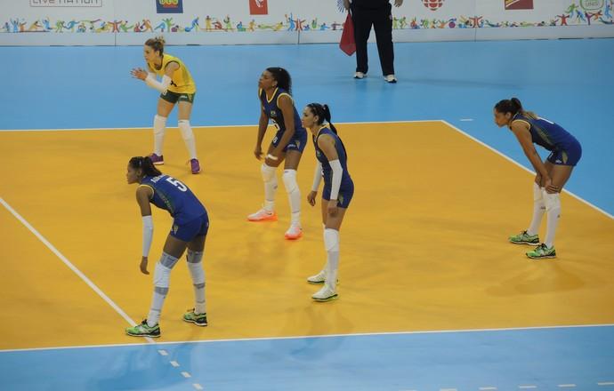 Brasil x Peru - vôlei feminino Pan de Toronto (Foto: GloboEsporte.com)