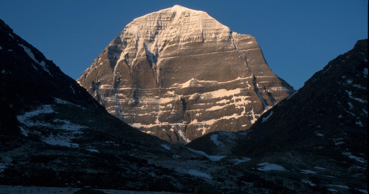 Sobreviventes do câncer vão escalar monte de 6.638 m para celebrar a cura