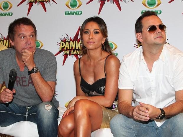 Emílio Surita, Sabrina Sato e 'Carioca' na coletiva do programa 'Pânico na TV' (Foto: Manuela Scarpa / Photo Rio News)
