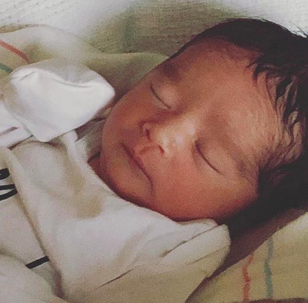 O bebê recém-nascido da atriz Jessica Alba (Foto: Instagram)