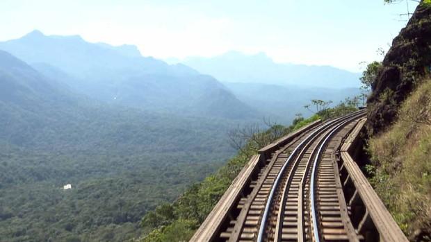 Um viagem na Litorina, trem de luxo da Serra do Mar (Reprodução/RPC)