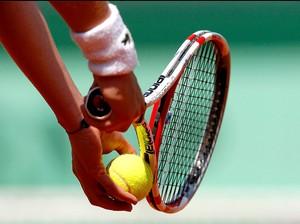 raquete bola saque (Foto: Agência Reuters)