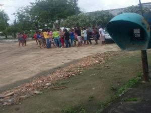 Moradores acusam polícia de perseguir suspeito (Foto: Jailson Lucas Almeida da Silva / Arquivo Pessoal)