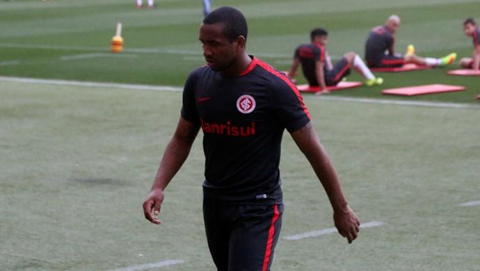 Anderson briga com William no treino do Inter (Foto: Tomás Hammes/GloboEsporte.com)