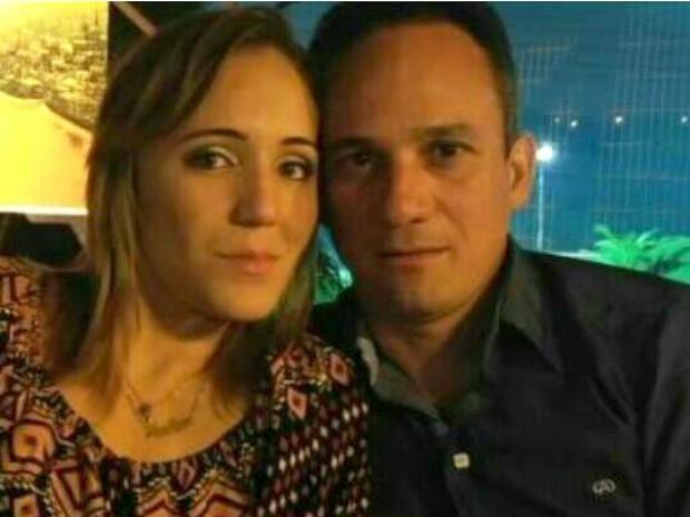 Ana Lúcia foi morta com sete facadas; marido é o principal suspeito (Foto: Reprodução/Facebook)