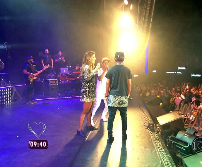 Lucas e Orelha com Ivete  (Foto: TV Globo)