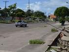 Força do rio Amazonas derruba poste e provoca erosão em calçada no AP