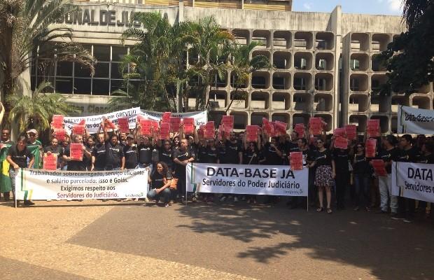 Servidores do Poder Judiciário entram em greve em Goiás (Foto: Divulgação/Sindjustiça)