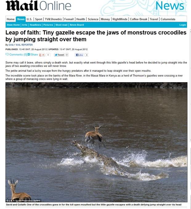 Foto mostra gazela saltando sobre um dos crocodilos. (Foto: Reprodução/Daily Mail)
