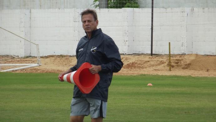 Waldemar Lemos, técnico do ABC (Foto: Arthur Barbalho)