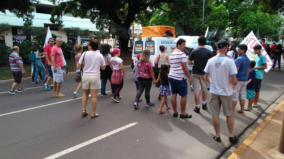 Protesto no Centro de Campo Grande (Foto: Osvaldo Nóbrega/ TV Morena)