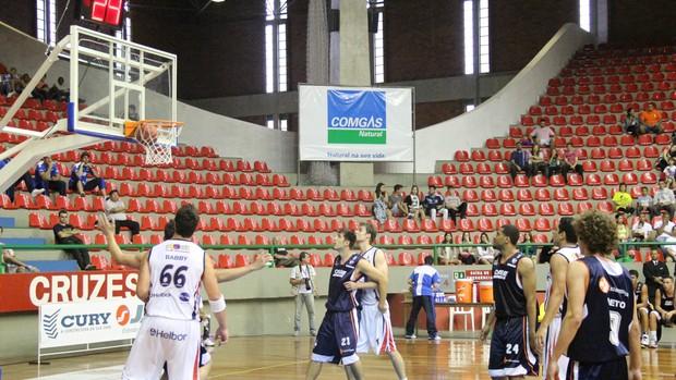 Mogi das Cruzes venceu a Liga Sorocabana por 71 a 59 (Foto: Thiago Fidelix / Globoesporte.com)