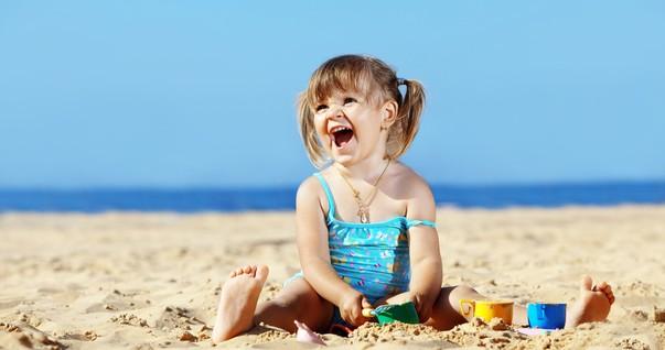Como proteger a pele dos bebês do sol?
