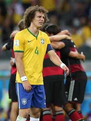David Luiz se desespera com a derrota brasileira (Foto: EFE/Fernando Bizerra Jr.)