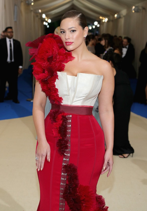 A modelo Ashley Graham na edição de 2017 do MET Gala (Foto: Getty Images)