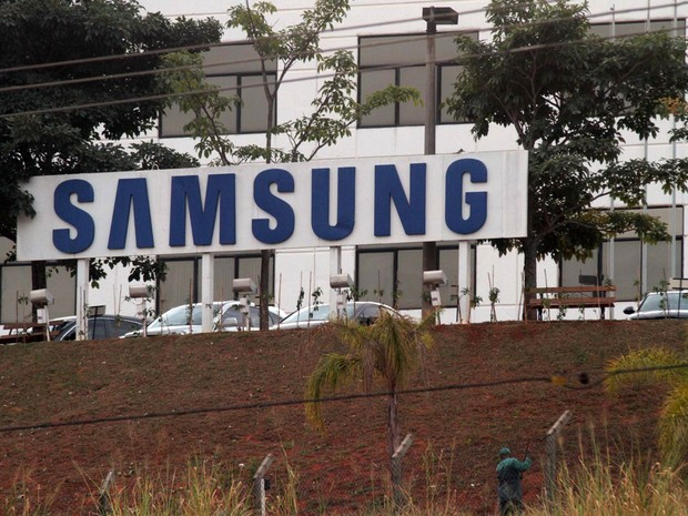 A fábrica da Samsung em Campinas (SP) foi assaltada na madrugada segunda-feira (7). Criminosos renderam vigilantes e funcionários e levaram aproximadamente 40 mil peças, entre tablets, celulares e notebooks, e a carga é avaliada em R$ 80 milhões (Foto: Denny Cesare/Código19/Estadão Conteúdo)
