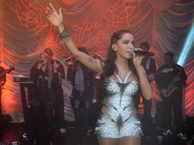 Anitta em show em boate em São Paulo (Foto: Caio Duran/ Ag. News)