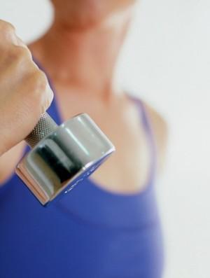 musculação mulher peso euatleta (Foto: Getty Images)