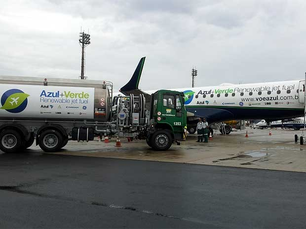 Brazilian Airlines begin testing renewable aviation biofuel