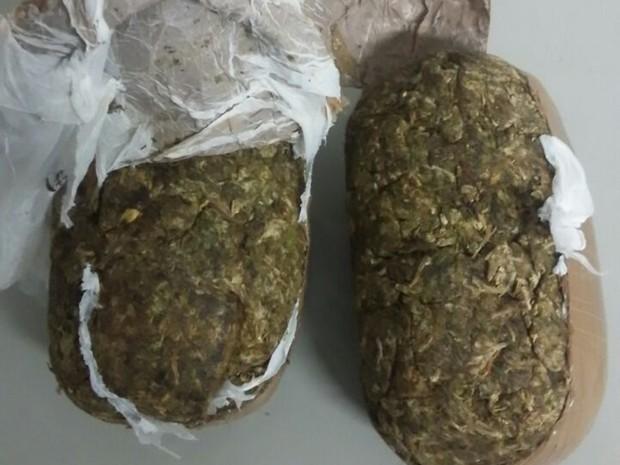 Polícia foi informada de que a droga ia ser levada para o presídio de Itapetininga (Foto: Divulgação/Polícia Militar)