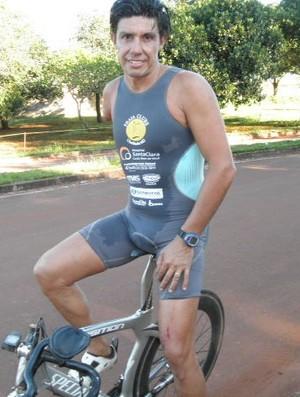 Roberto Carlos Silva, para-triatleta do Praia Clube de Uberlândia, MG (Foto: Divulgação/Praia Clube)