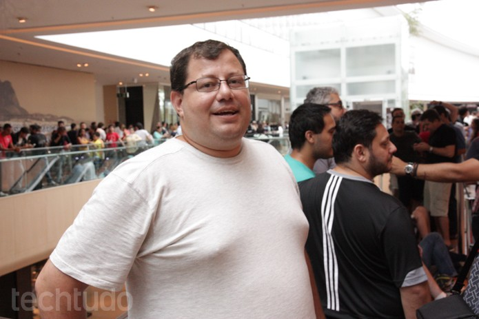 Diogo Cuba Guedes, primeiro da fila da Apple Store Brasil (Foto: Allan Melo / TechTudo)