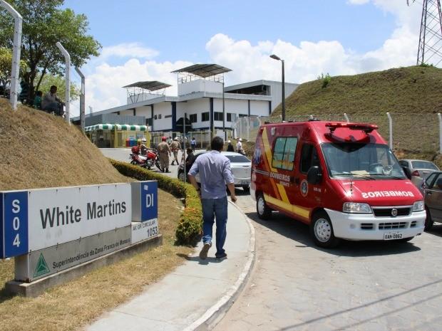 Explosão foi ouvida por trabalhadores de empresas vizinhas (Foto: ) (Foto: Adneison Severiano/G1 AM)