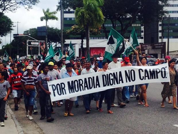 Protesto em agência bancária de João Pessoa (Foto: Walter Paparazzo/G1)