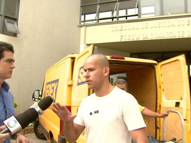 Guilherme Longo ao sair do Fórum em Ribeirão Preto (SP), nesta quarta-feira (24) (Foto: Cláudio Oliveira/ EPTV)