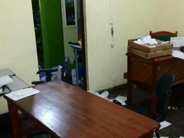 Assalto ocorreu na escola estadual Carmelita do Carmo, em Macapá (Foto: Reprodução/Rede Amazônica no Amapá)